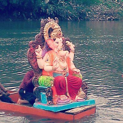 "Ganesh visarjan Pune Picoftheday Puneinstagrammers Punekar *""ganpati gele gavala chain padena amhala""*"