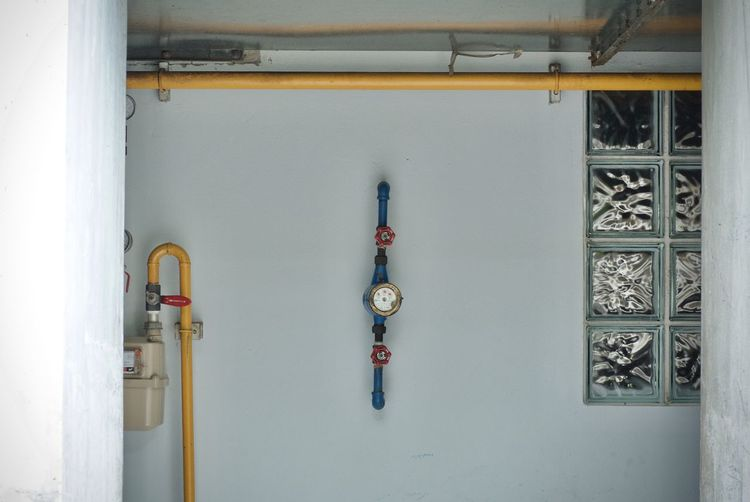 Pipeline on wall