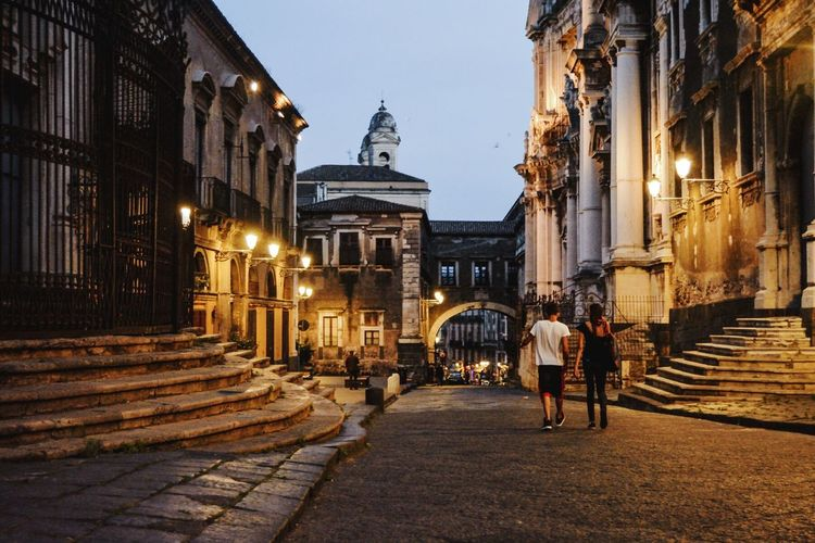 Catania Via Crociferi Centro Storico People Walking  Being Together Old Style Brings Back Memories  Cute Couple Evening Promenade