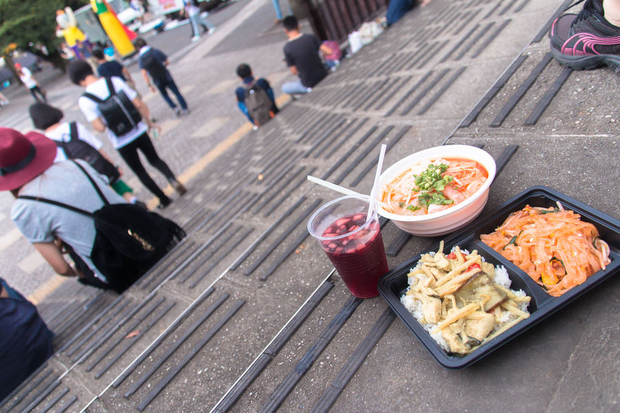 A Taste Of Life Food Porn Awards Everybodystreet Going The Distance Urban Lifestyle Getting Inspired Street Photography Learn & Shoot: Layering Rule Of Thirds ShareTheMeal People Food Walking Around Lunch Summer Views Summer Memories 🌄 Best Of Stairways Photographic Memory The Best From Holiday POV Liquid Lunch Snapshots Of Life Mealtime Thai Food Vietnamese Food Steps