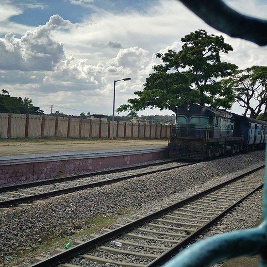Travelling Train Window Side Streetphotography Oneplus Insta_follow Ig_india Ig_bangalore