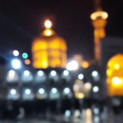 . تصویر چشمان گریان همیشه تار میبیند . ولی چقدر راحت جدا شدم یا سلطان دلم تنگ شده حرم امام_رضا علیه_السلام
