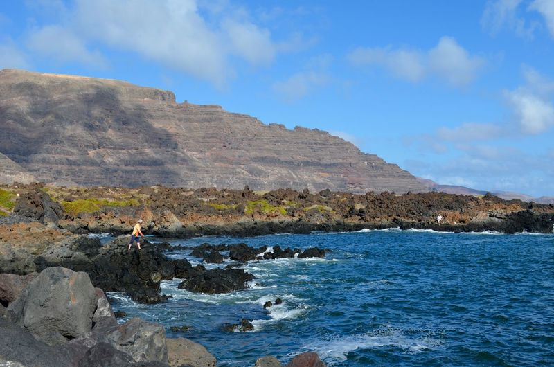 Fisherman Fishing Fisher Fish Fishermen Lanzarote Canary Island Island SPAIN Spanish Local People Local Work With Your Hands Jobs Of The World Job Catching Your Own Food Travel Traveling Local Life Local Food Check This Out Work In Progress Beautiful Scenery Beauty In Nature Beautiful Nature