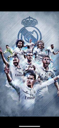 Los Reyes Los Mejores Del Mundo ;* Real Madrid Futbol Men Looking At Camera Mature Men