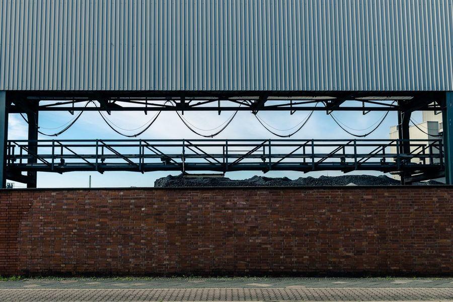 [Urban Details] . . . . #minimalism #digital #modernart #artoftheday #ig_berlin #diewocheaufinstagram #igersberlin #conceptart #shadow #moabit #digitalart #agameoftones #instagood10k #contemporaryart #noicemag #unlimitedberlin #photography #artofvisuals #architecture #artphoto #picoftheday #instapic #ig_minimalshots #minimal #abstaction #igersgermany #artofvisual #ig_italy #ig_deutschland Architecture Built Structure Building Exterior Day No People Outdoors Factory Sky Berlin Berlin Photography Berlin Moabit Urban Urban Geometry Urbanphotography Fabric Carbon