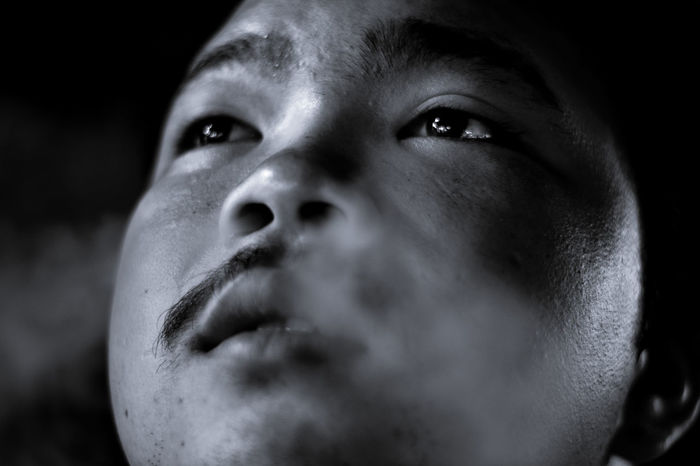 Black And White Photography Blackandwhite Cigarette  Close-up Human Body Part Human Face Men One Person People Portrait Real People Sad Strain