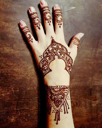 Human Hand MehndiDesign MehndiDesigns MehndiArtist MehndiTattoo Henna Tattoo My Work Design Punjabiculture Culture Mehndi Body Adornment Tattoo Cultures Human Skin MehndiTattoos Punjabistyle