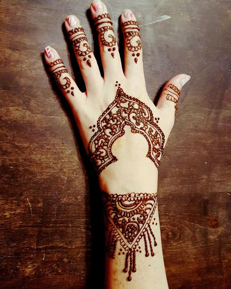 Human Hand MehndiDesign MehndiDesigns MehndiArtist MehndiTattoo Henna Tattoo My Work Design Punjabiculture Culture Mehndi Body Adornment Tattoo Cultures Human Skin MehndiTattoos Punjabistyle