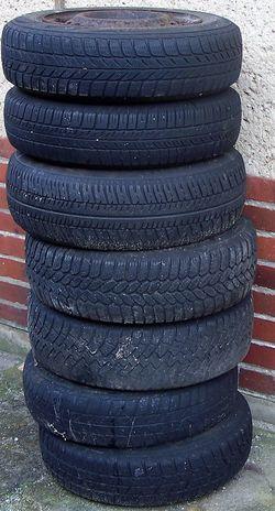 Für immer Ruhe 22.02.2016 Belgern Abfall Alter Autos Ohne Bewegung Reifen Reifenwechsel Ruhe Und Stille