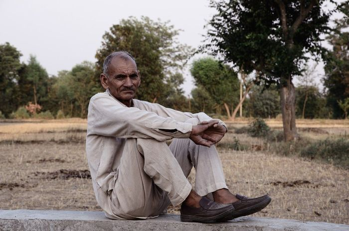 One Man Only Only Men One Person Senior Adult Adults Only Sitting Adult One Senior Man Only People Outdoors Tree Gray Hair Relaxation Rural Scene Day Nature Men Nikonphotography Nikon Nikon D7000 Delhi NCR Indian Tourism Hi