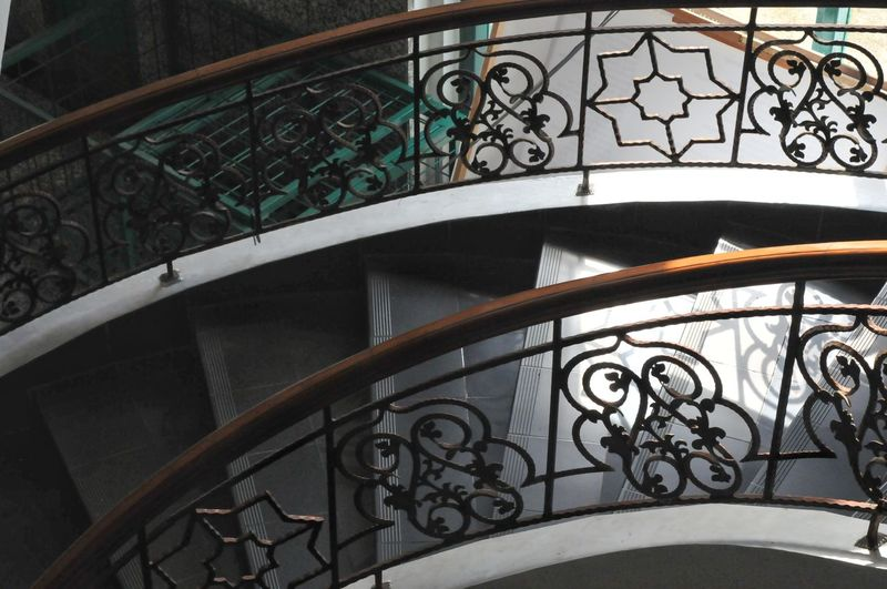 stair City Spiral Staircase Politics And Government Wrought Iron Railing Pattern Design Close-up Architecture Built Structure Clock Face Architectural Design Metalwork Architecture And Art Street Art Gondola - Traditional Boat Second Hand Minute Hand Astronomical Clock Gondolier Venetian Lagoon Mooring Post Venice - Italy Clock Clock Hand Hour Hand Instrument Of Time Architectural Feature Grand Canal - Venice Veneto