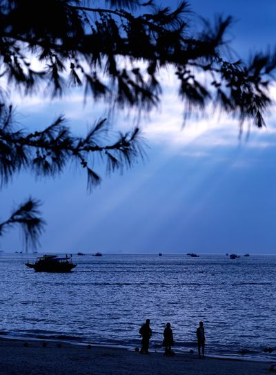 Xun liao wan Water Sea Tree Beauty In Nature Scenics - Nature Nature Real People Sky