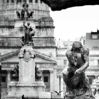 Le #penseur de #Rodin tournant le dos au congrès national / Rodin's #Thinker turning his back to the national congress #Buenosaires Bw_shotz Bnw_wonderful Rodin Blacknwhite_perfection Streetphotography_bw Bnw_demand Street_bw Photowall_bw Buenosaires Bnw_universe Bws_worldwide Photowonderful_bw Thinker Cs_mono Bwmasters Bnw_globe Bwstyles_gf Bnw_guru Rebel_bnw Insta_bwgramers Irox_bw Bw_france Insta_bw Gi_bnw Bw_crew Bws_eu Ic_bw Ig_photoflair_bw Most_deserving_bw Penseur