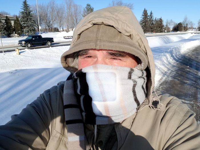 Only -26C...... though with wind chill it was -31C. Selfıe Rareselfie Winter Wonderland Winterscapes Wintertime Winter Landscape Ottawa Canada Winter Canada Streetphotography Winter Snow Cold Temperature Only Men One Man Only Day One Person Outdoors Men Sunlight Warm Clothing Close-up Portrait