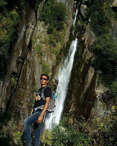Jogni Waterfalls Bahang HimalayanDrifters Himachalpictures Picoftheday Himachal Incredibleindia Intagram Instapic Manali Devbhoomi Himalayas India Indiaphotosociety Adventure Hiking Campingtrip Roadtrip Roadtripping Wintertrekking Winteriscomingearly