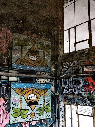 Photographic Approximation Streetart/graffiti OpenEdit Narcissism