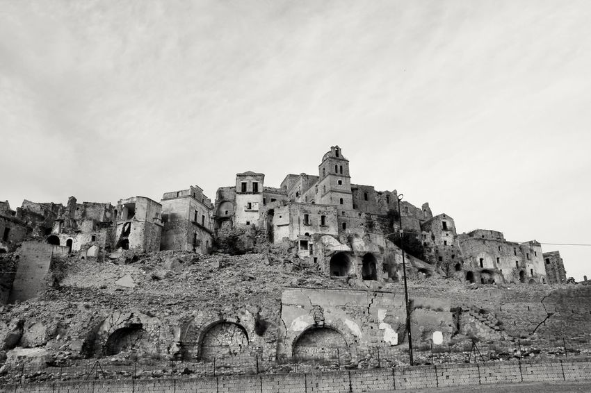 Il paese fantasma...Craco! Architecture History Ancient Outdoors Day Nopeople Paese Landscape Nature Tranquility Silence Of Nature Basilicata Basilicata, Italy  Adapted To The City
