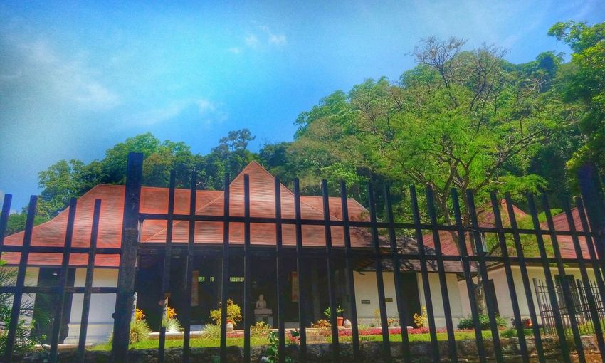 Historical Building History Hello World History Through The Lens  SriLanka Historic Building Kandy Relaxing Naturephotography Amazing Joy Temple Temple - Building Thinking Historic City Taking Photos Nature_perfection Beautiful Calm Classic Mind  Daylight Daytime