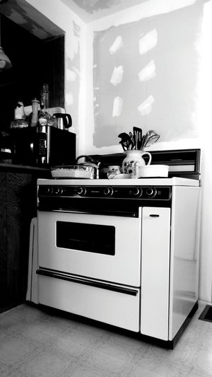 Old Faithful Cooking Up A Storm Remodeling Oven stays Bakingtime I Love It ❤ Taking Photos Black And White Photography Open Edit American Beauty