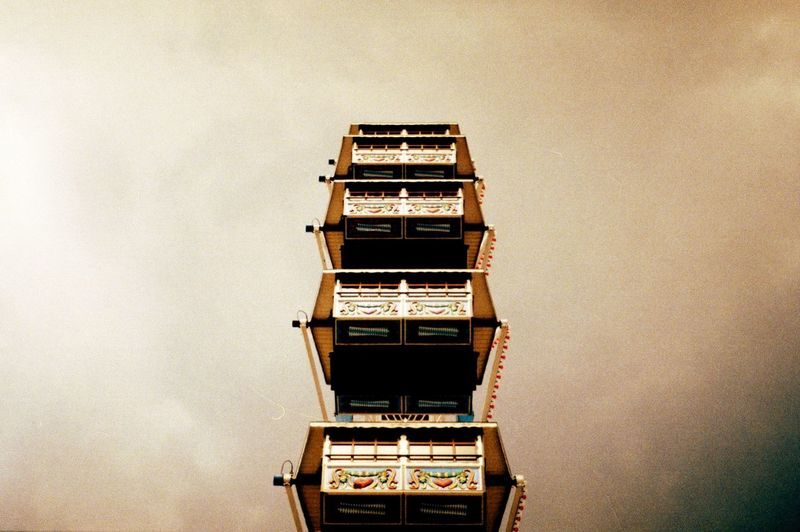 Amusementpark Big Wheel Built Structure Cloudy Dreamy Ferris Wheel Low Angle View