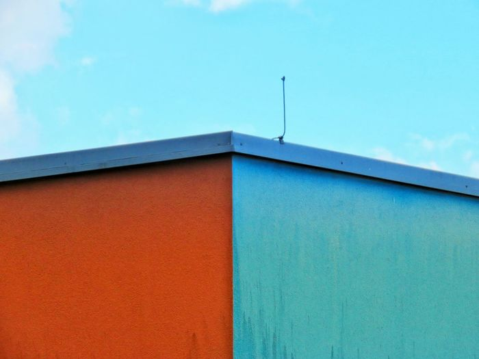 Sky Wall - Building Feature Wall Blue Multi Colored Modern Sky Architecture Building Exterior Built Structure Roof Tile Architectural Detail Architectural Feature Architectural Design Textured  Façade