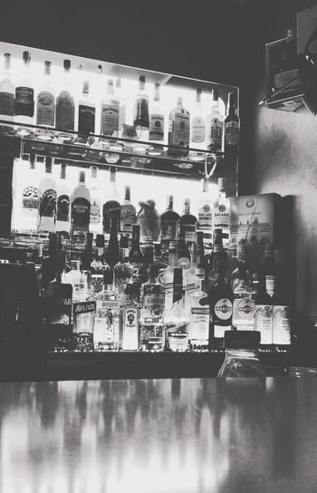Drink Food And Drink Night Bar Followforfollow CoffeeBox Likephoto Policoro Vodka🍹 Whiskey Jack Daniels Tennesee Honey Jack Daniels Whiskey Martini Campari SKYY Skyyvodka Havana Club Bottle Life Cocktail Day
