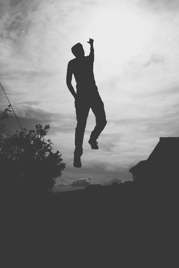 FlyHanging Out That's Me Hi! Taking PhotosRelaxing Photography Enjoying Life Hello World Check This Out Love Leviting Blackandwhite