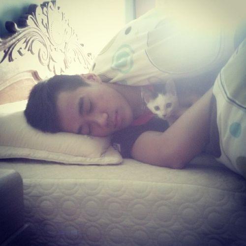 Cant sleep withou' u 2. Sleep Wdcats
