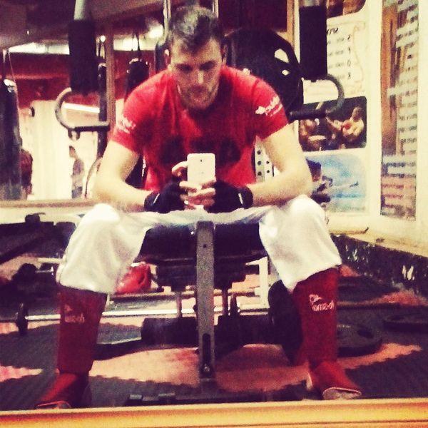Training Kickboxing MMA MuayThai Boks Real Fighters Man Golden Boy Athletics