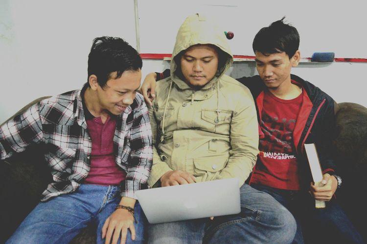 Team... Jakarta VSCO EyeEm Indonesia Working Film Photography Vscocam Indonesian Street (Mobile) Photographie Film INDONESIA