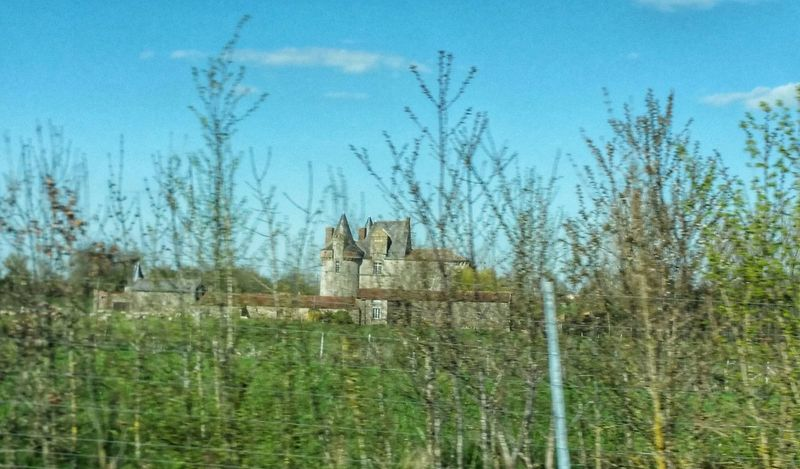 Sur La Route Nantes à Pontivy Nature Printemps Sur La Route On The Road A Travers La Vitre Naturephotography Castle Château