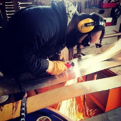 NicoAbel Sculpteur Gwennhadu Inox et bois breizh bzh bonnetsrouges breizhinstagramer