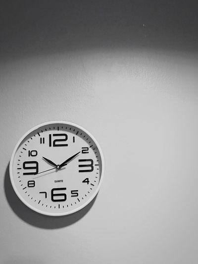 เวลา และนาฬิกา Time Clock Indoors  No People Minute Hand Day Waiting Time For Me TIME FOR YOU :) Time To Reflect Finished Stopping Time