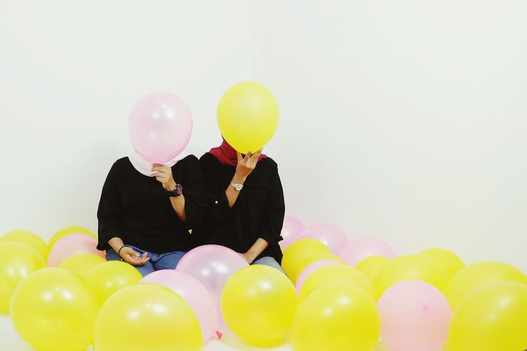Baloons Indoorsphotography Studio Photography Baloon Multi Colored White Background Helium Balloon Friendship