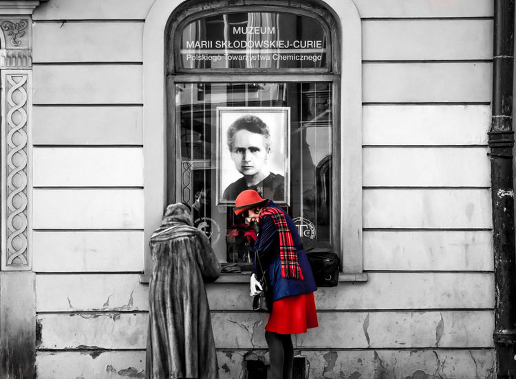 Red Wisdom Taking Photos Bnw_captures Bnw Bnw_life Bnw_poland Colorsplash Uncovered Warsaw Street Life Oldwomen