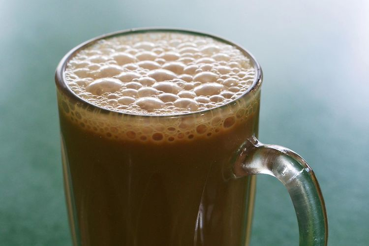 Teh Tarik aka Pulled Tea with Milk Beverage Bubbles Close-up Cup Directly Above Drink Drinking Glass Food And Drink Glass Indoors  Liquid Lunch No People Old-fashioned Refreshment Simplicity Still Life Table Tarik Tea Teh Tehtarik