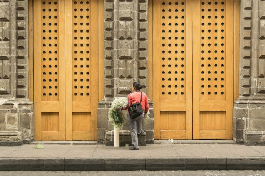 Full Length Rear View Travel Destinations Architecture One Person Outdoors Adult People Day Real People Urban Life Streetphotography Travel Trip Urbanphotography Women Around The World Working Woman Orange Color Door Mexico Flowers Architecture_collection Cdmx Doors