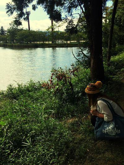 Hello World Haru 草と同化 End Of Summer 変なことはしてません。草を見てるだけなのに😂😂漏らしそうではありません😂😂笑