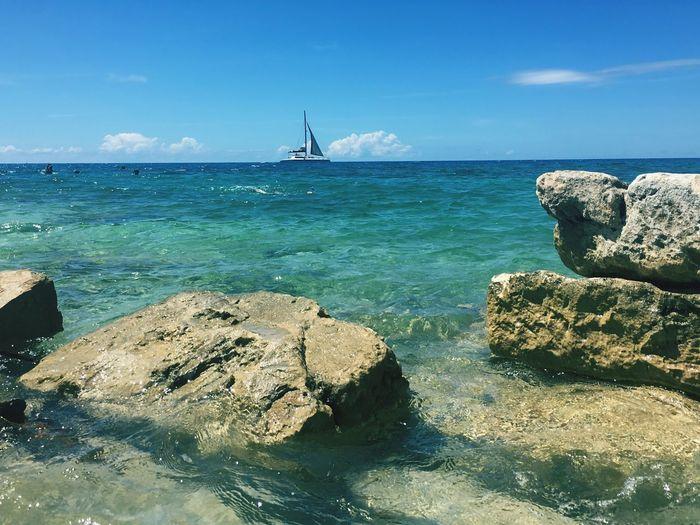 Bermuda, Bahama come on pretty mama☀️