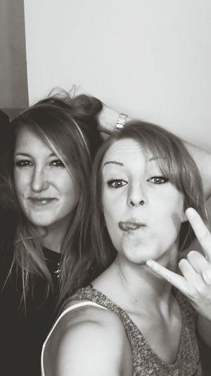 Selfie Bestfriend Faces Of EyeEm Hello World Young Wild And Free(; Rocknroll