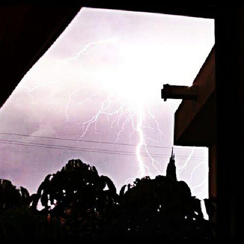 Monterrey Sigocontando NL Rain Rayo Lluvia Mexico Mx  Domingo