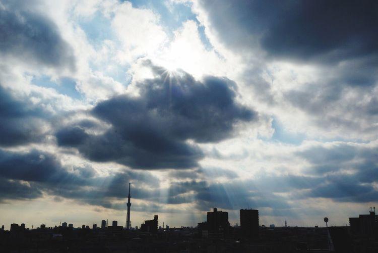 HAPPY NEW YEAR🌸明けましておめでとうございます🌸今年もみなさんがたくさんの素敵な瞬間と出会えますように。 Tokyo Japan Blue Sky Angelsladder