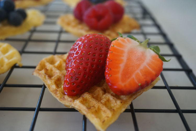 waffle heart with fresh strawberries Waffle Waffle Time Heart Shape Strawberry Strawberries Berry Fruit Berry Close-up Red Color Cake Dessert Desserts Temptation Indulgence Grid Close-up Food And Drink Sweet Food Slice Of Cake