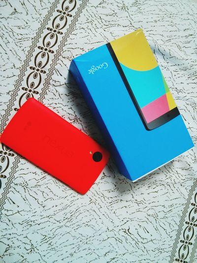Nexus5 red