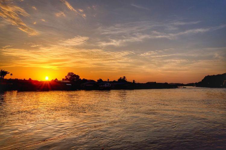 Sunset Therapy Enjoying Life Landscape_photography Outdoors Handheld