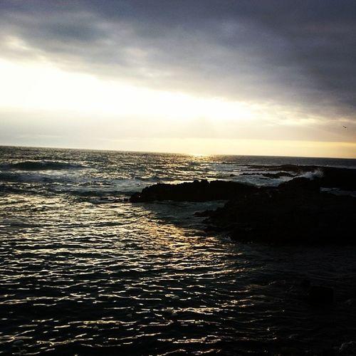 Pero que bello *-* ☉? Sol Mar Peninsula Iquique instamoment instalike instachile instaiquique chile rocas like followme follow