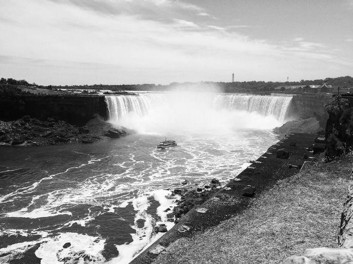 Niagara Falls NiagaraFallsCanada Blaxkandwhite Blackandwhite Photography Nature Photography Waterfall Landscape Leisure Activity