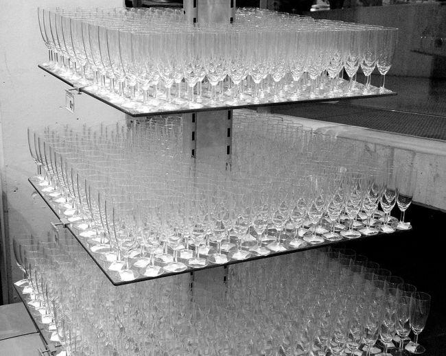 Everithing In Its Place Im Möbelhaus Furniture Store Regal Shelf Glasses Sektglas Sektgläser Showcase March