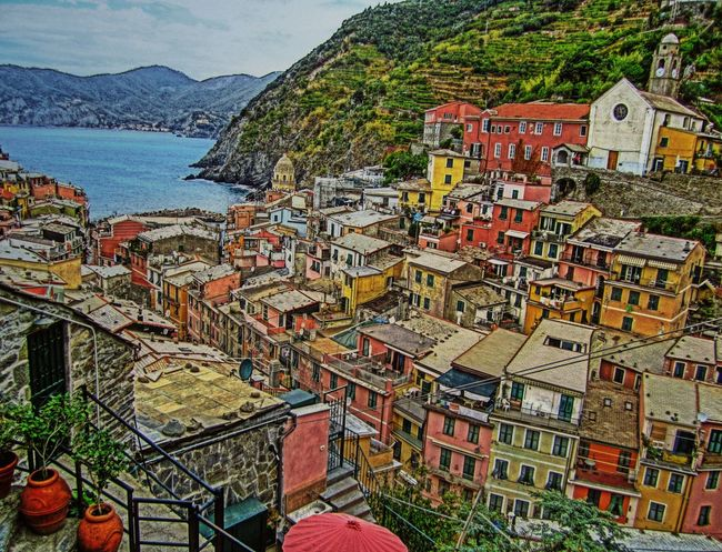 Cinque Terre Travel Destinations Architecture Sky Cityscape City Multi Colored Outdoors Cinque Terre Vernazza Crayons Colorful Variety Choice Art Tools