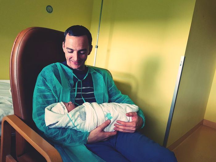 First Day on this world #born #children #father&son #happy #GoodDay #Happiness EyeEm Selects Human Knee Human Joint Human Bone Physical Therapy Bandage Shoulder Wrapping Physical Injury Wound Adhesive Bandage Gijón Thigh Joint - Body Part Wrist Knitting Knee Woolen Fracture Wool Cramp